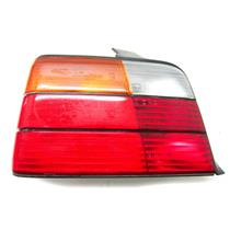 FOR 1991-1993 BMW 318 I  LEFT HAND DRIVERS SIDE TAILLIGHT