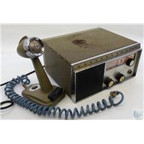 Vintage Johnson Messenger Two Twenty Three CB Radio w Microphone