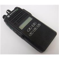 Motorola CP185 AAH03RDF8AA7AN UHF 2 way Handheld Radio POWERS ON