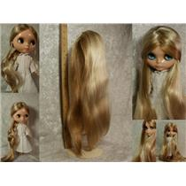 "Blonde synthetic mohair Doll wig 9""-10"" 16"" long 24276"