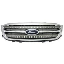 2010-2012 Ford Taurus Grille (used)