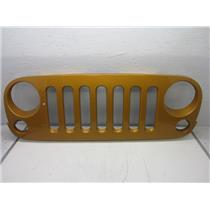 GRILLE FOR 2007-2015 JEEP WRANGLER (AMP'D) 1BM91TRM USED
