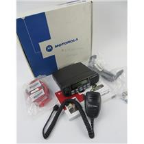 New Open Box Motorola CDM1550 LS+ AAM25RHF9DP5AN 403-470Mhz 16CH 25 Watt Radio
