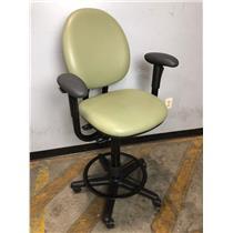 Steelcase 4537331DSW Green Adjustable Office Chair Stool w Footrest