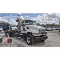 2005 Mack CV713 Granite Roll-Off Truck12.0L L6 DIESEL
