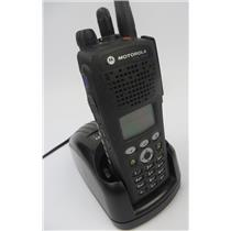 Motorola XTS 2500 Model 3 H46UCH9PW2BN UHF 764-870 MHz Two-Way Radio W/ Charger