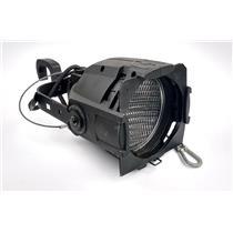 ETC Source Four PAR EA 750W Light Black With Mega-Clamp & Lens TESTED & WORKING