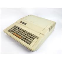Vintage Apple IIe Computer A2S2064 - READ DESCRIPTION