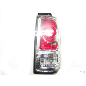 FOR 1997-2002 FORD EXPEDITION RIGHT HAND SIDE TAIL LIGHT AFTERMARKET