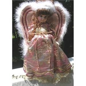 Robin Woods 1991 Christmas Angel 14 Doll Noelle