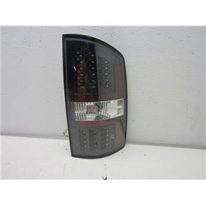 FOR 2002-2006 DODGE RAM 1500 RIGHT HAND LED TAIL LIGHT