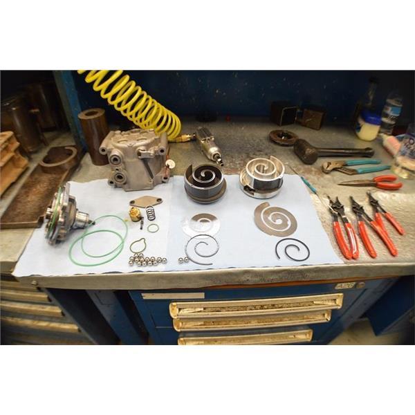 AC Compressor Clutch for Saturn L100 L200 L300 LS LS1 LW1 LW200 57543 Reman
